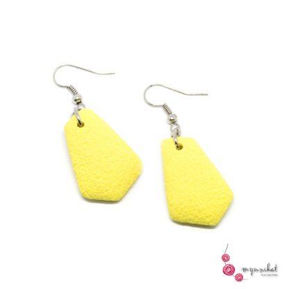 Rocno-izdelani-viseci-unikatni-uhani-Myunikat-fimo-pastelno-rumena