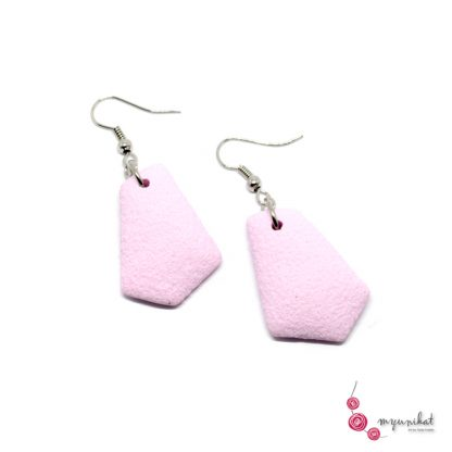 Rocno-izdelani-viseci-unikatni-uhani-Myunikat-fimo-pastelno-roza