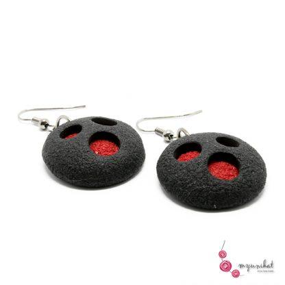 Rocno-izdelani-viseci-unikatni-uhani-Myunikat-fimo-rdeca-crna