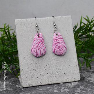 Unikatni-nakit-rocno-izdelani-uhani-myunikat-TjasaVodeb-pastelno-roza