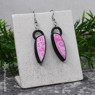 Unikatni-nakit-rocno-izdelani-uhani-myunikat-TjasaVodeb-roza-crna