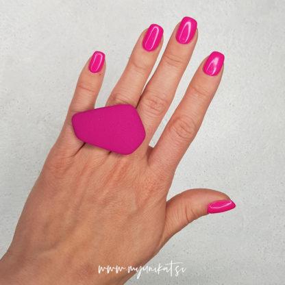 P520-GEOMETRIC-unikaten-prstan-myunikat-tjasavodeb-fimomasa-maksi-roza-magenta