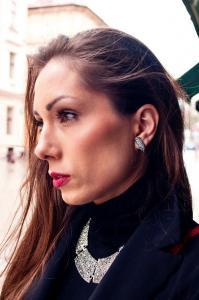 Dijana-Rose-ambasadorka-rocno-izdelanega-unikatnega-nakita-myunikat